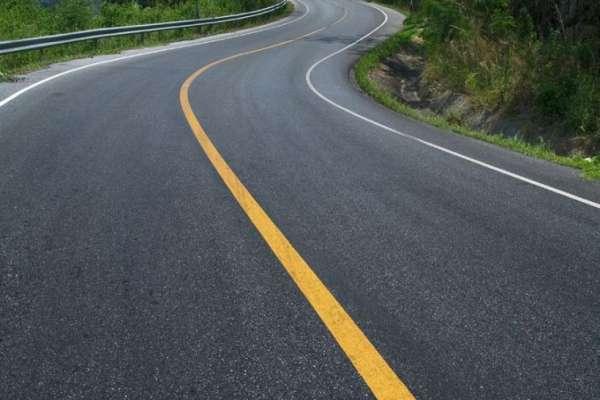 कालोपत्र गरिँदै मध्यपहाडी लोकमार्ग