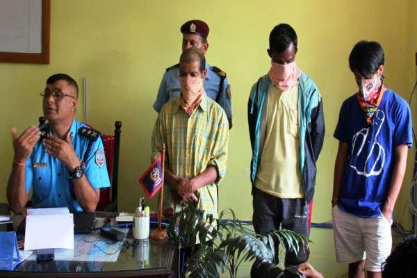बागलुङ जिल्ला प्रहरी कार्यालयद्वारा तीन अभियुक्त सार्वजनिक
